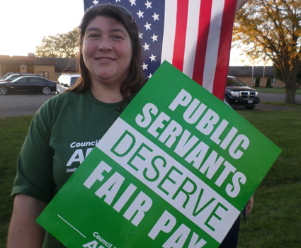 Stephenson County nursing home employees picket for a fair contract